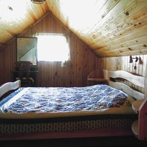 Спальня с двухместной кроватью
