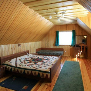 Спальня с двухместной кроватью и доп.местом